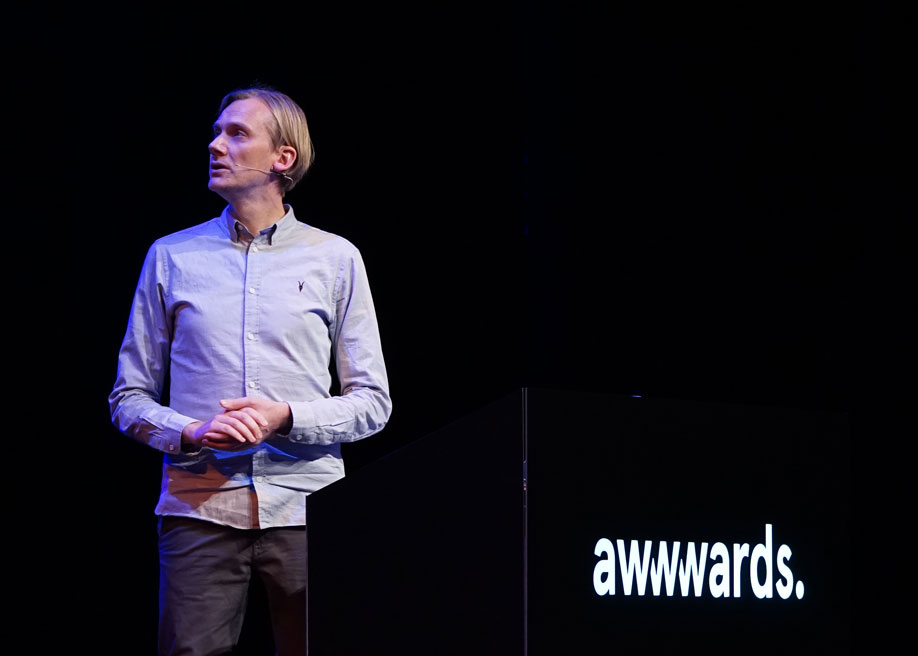 Talk: Designing VR Experiences by Anrick Bregman, Director - New Realities VR/AR/MR at Awwwards Conference Amsterdam